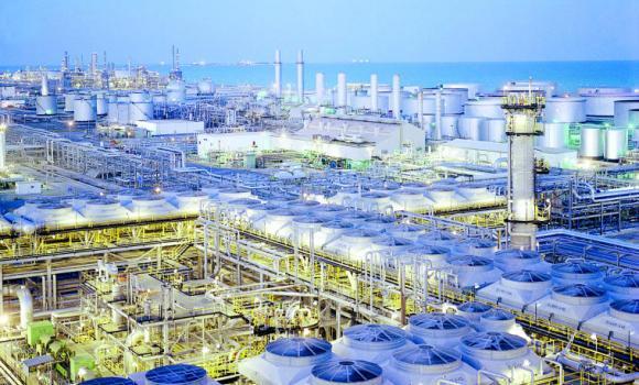 Aramco buka tender buat proyek energi bersih senilai US$ 2 miliar