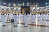 Umrah perdana jamaah dari luar Saudi di masa pandemi